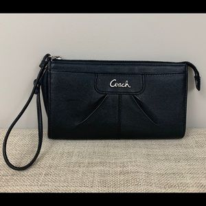 Coach Black Leather Zip Wristlet Wallet Clutch